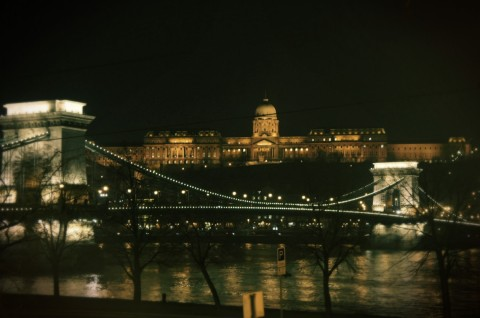 palace and chain bridge