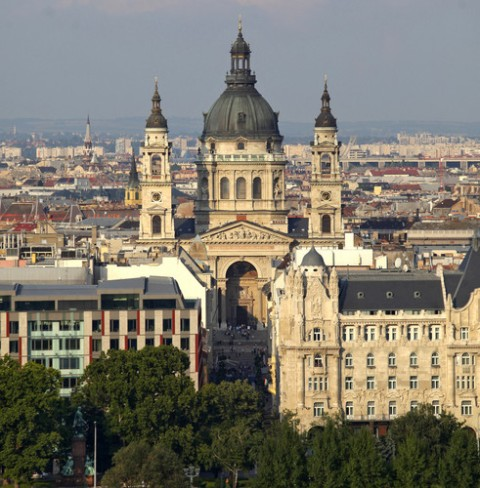Photo credit:  http://www.infiniteunknown.net/wp-content/uploads/2010/06/st-stephen-basilica-budapest.jpeg