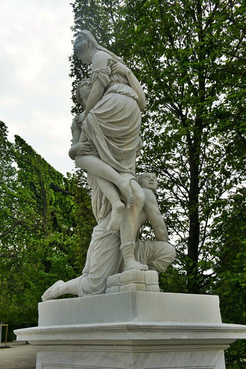 Friend-zone level: Greek Statue