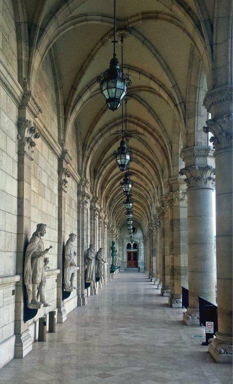 ParliamentCorridor2