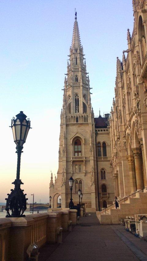 ParliamentLibraryView